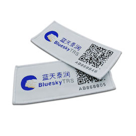 ISO18000-6C Passive Rfid Clothing Tags / Washable UHF Laundry Tags With Barcode